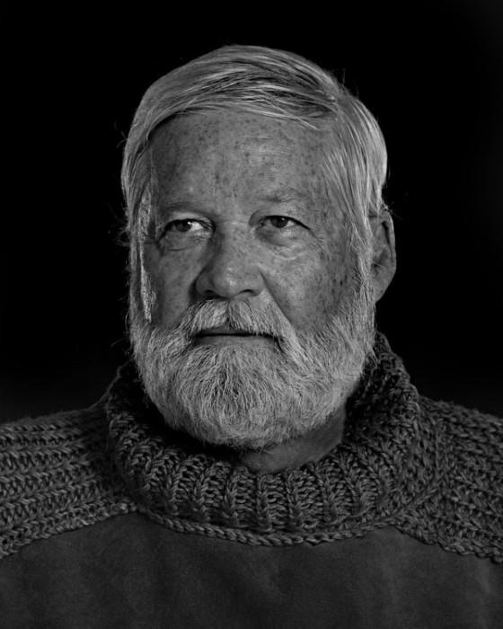 Ernest-Hemingway-Portrait-Imitations-01-560x700