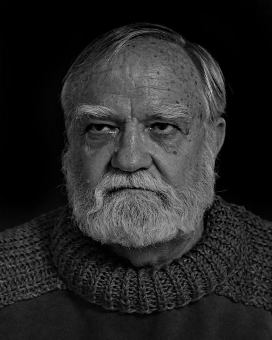 Ernest-Hemingway-Portrait-Imitations-04-560x700