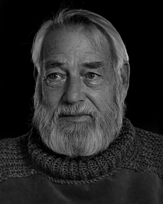 Ernest-Hemingway-Portrait-Imitations-09-560x700