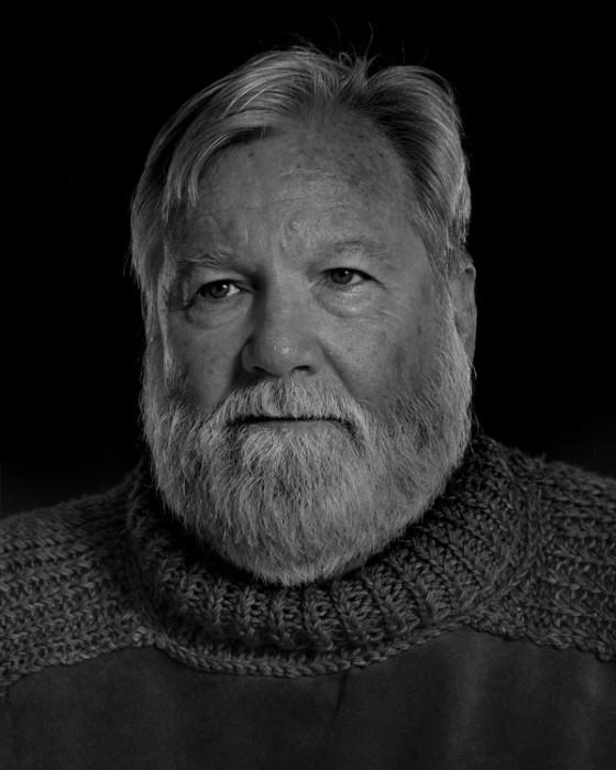 Ernest-Hemingway-Portrait-Imitations-11-560x700