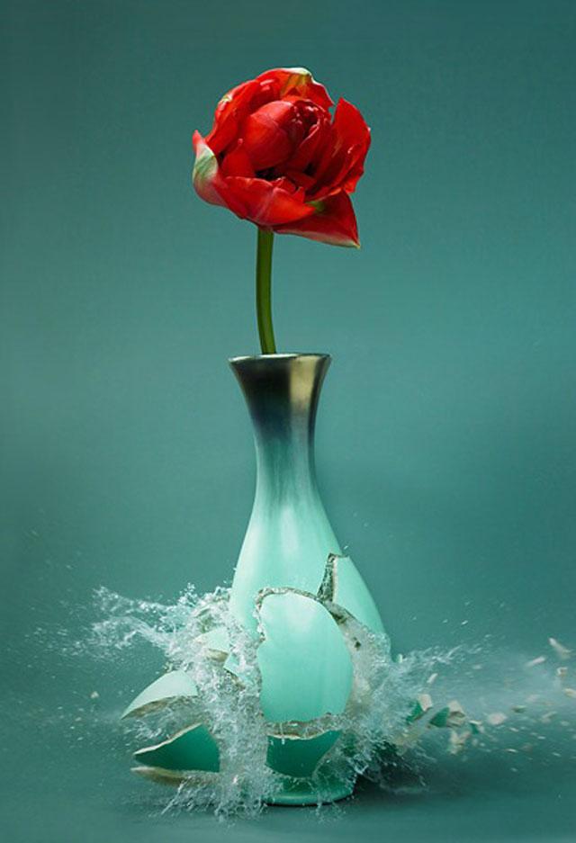 Exploding-Vases