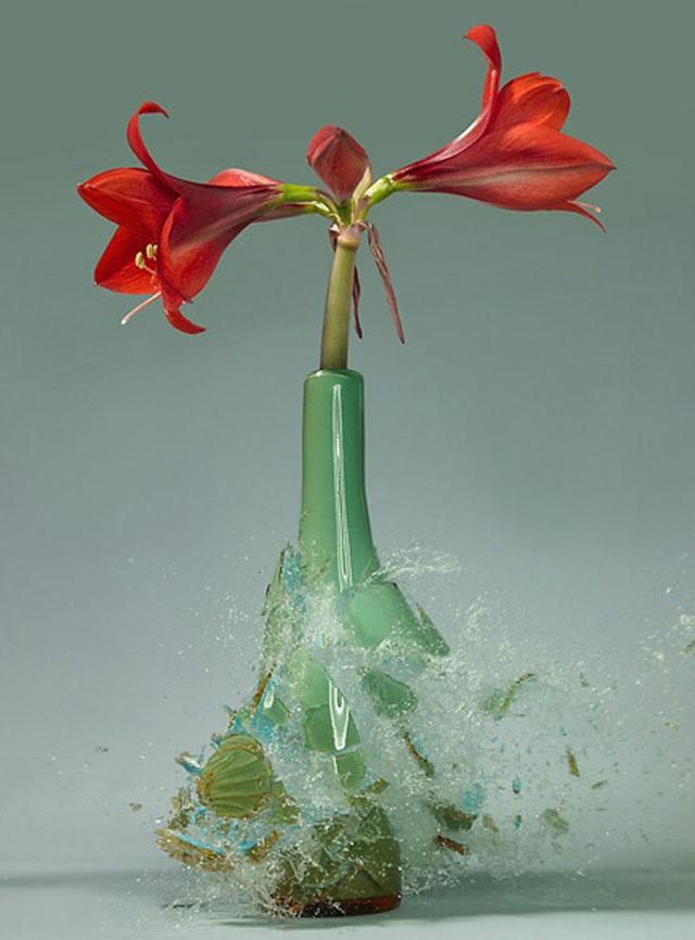 Exploding-Vases1