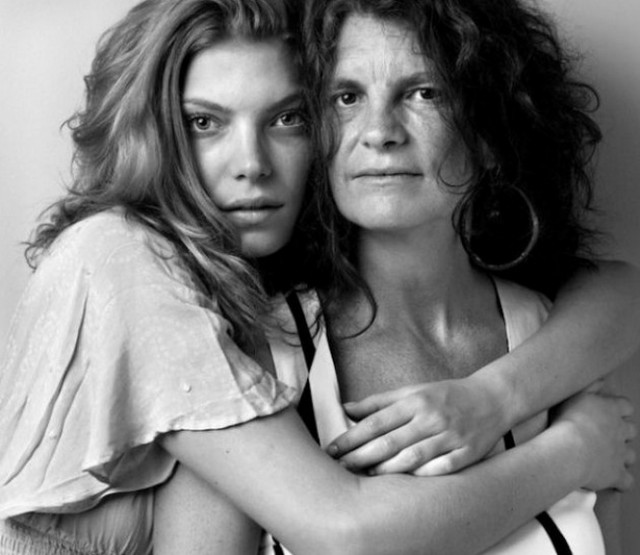 Model-and-Mothers-Series4-640x555