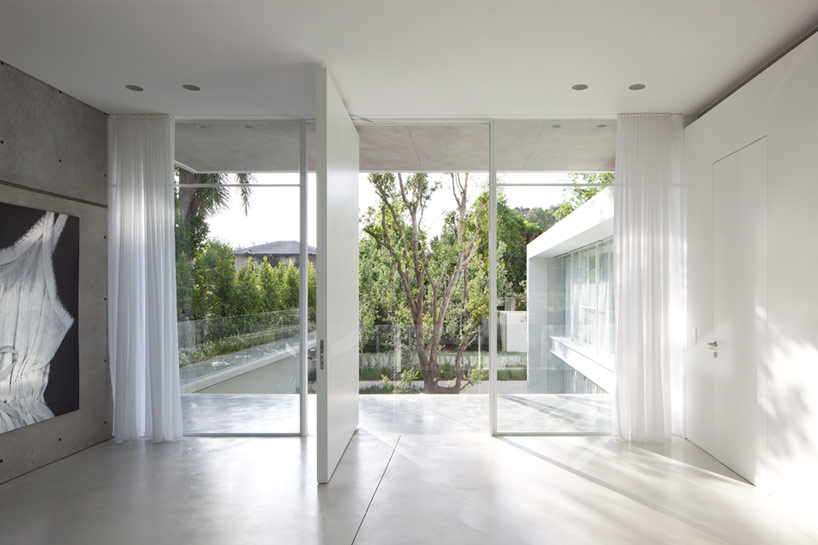 pitsou-kedem-ramat-hasharon-house-13-designboom-08