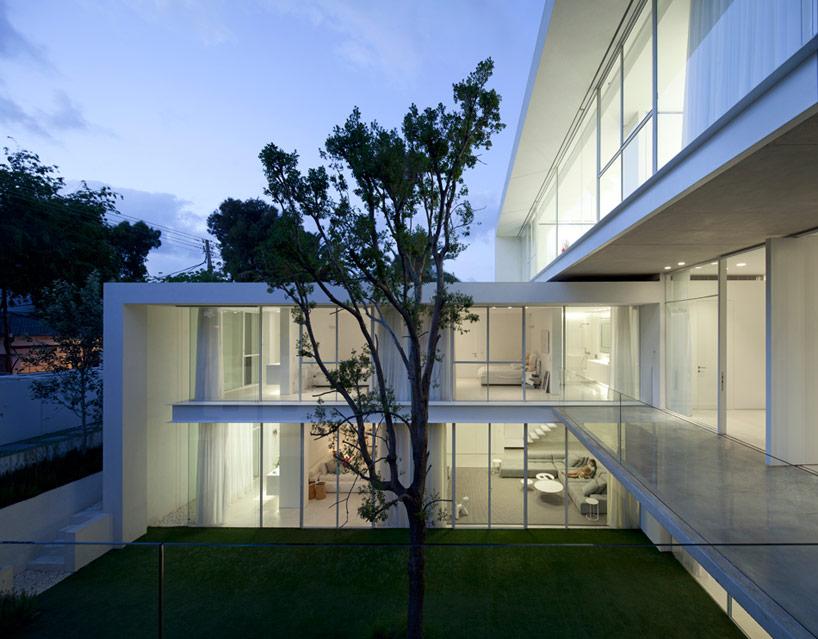 pitsou-kedem-ramat-hasharon-house-13-designboom-09