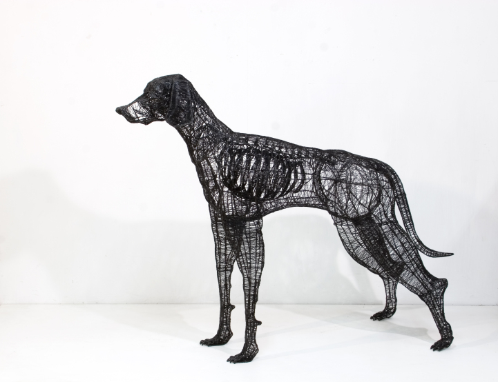 2HoundHotglue_wirewelding_stitching_Blackthread60x150x115hcm2013