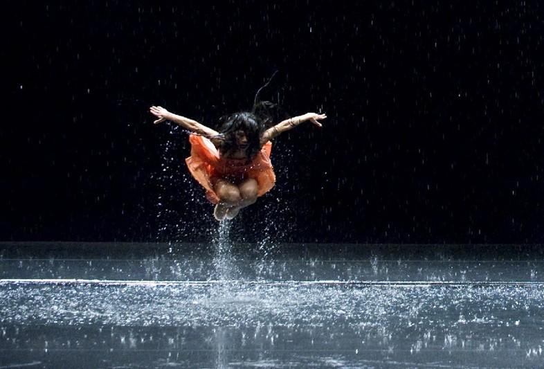 Song 3: Lilies of The Valley - Jun Miyake/Pina Bausch/Wim Wenders