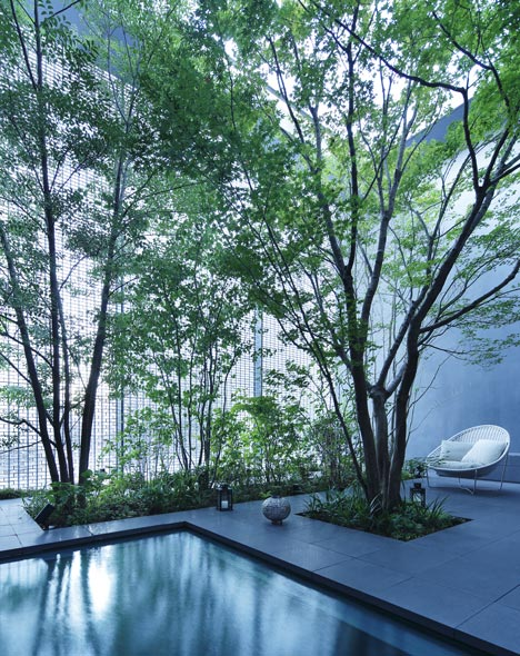 everythingwithatwist-optical-glass-house-3