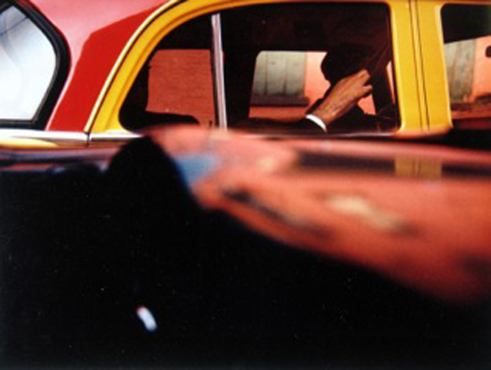 saul-leiter-everythingwithatwist-06-Taxi-1957