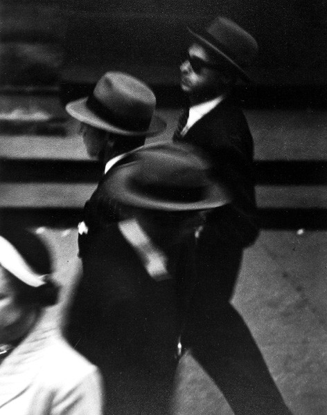 saul-leiter-everythingwithatwist-07-circa-1948
