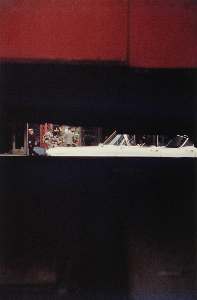saul-leiter-everythingwithatwist-15-Through-Boards-1957