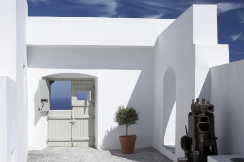 santorini-residence-everythingwithatwist-06