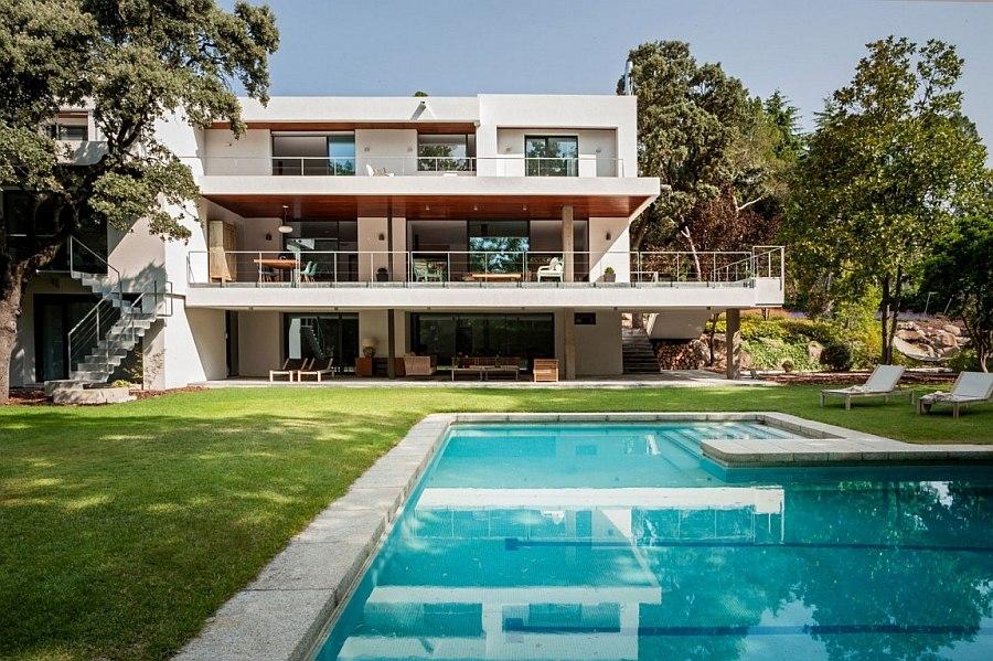 Energy Efficient House Renovation, La Moraleja, Madrid by ABATON Arquitectura
