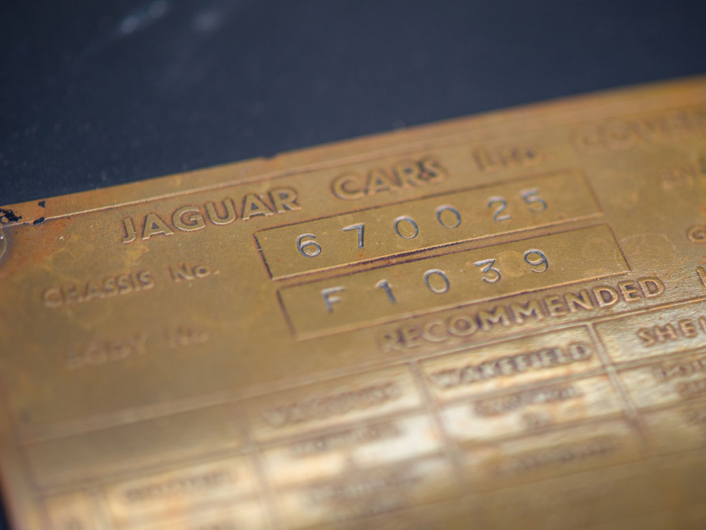 1949-jaguar-xk120-everythingwithatwist-14