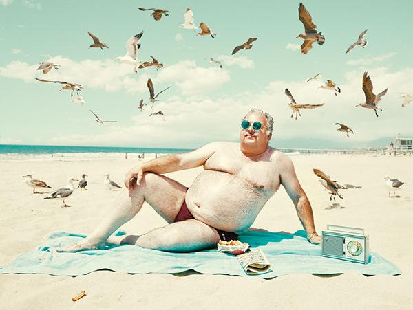 man-beach-everythingwithatwist-01