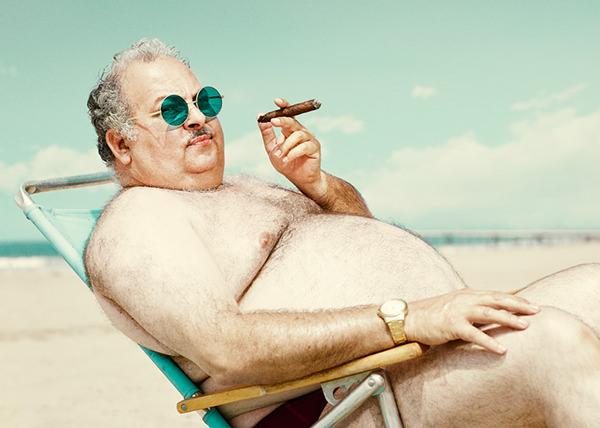 man-beach-everythingwithatwist-03