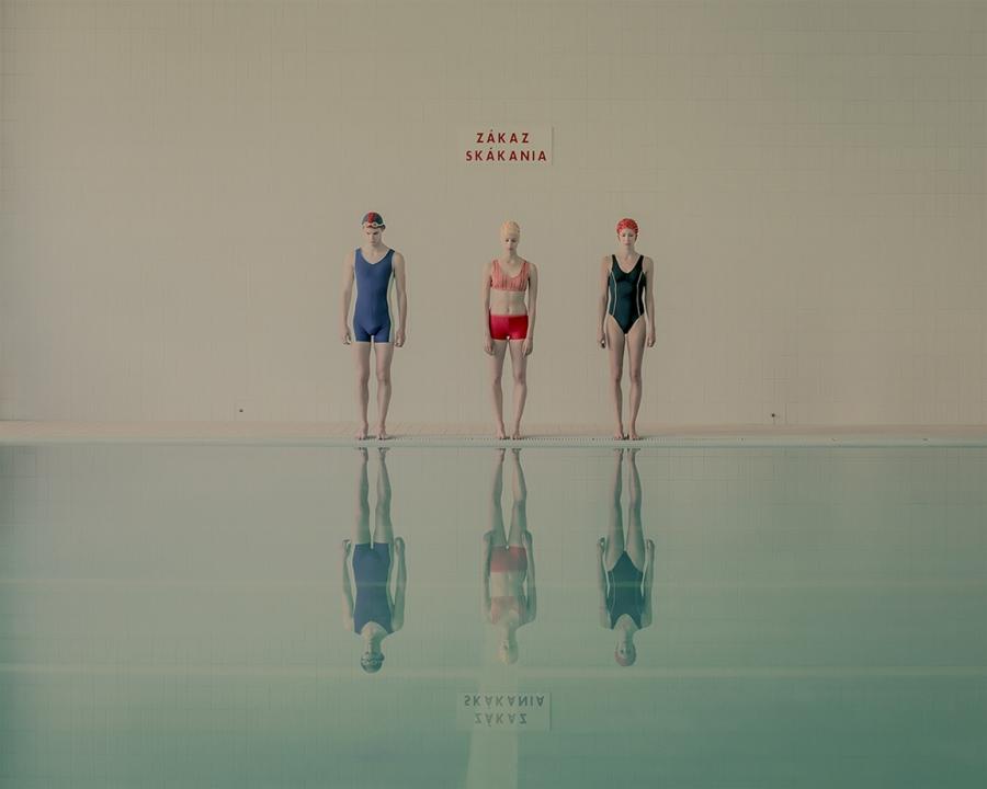 maria-svarbova-swimming-pool-everythingwithatwist-01