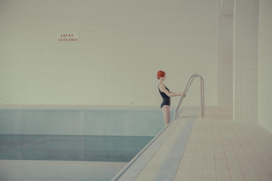 maria-svarbova-swimming-pool-everythingwithatwist-10