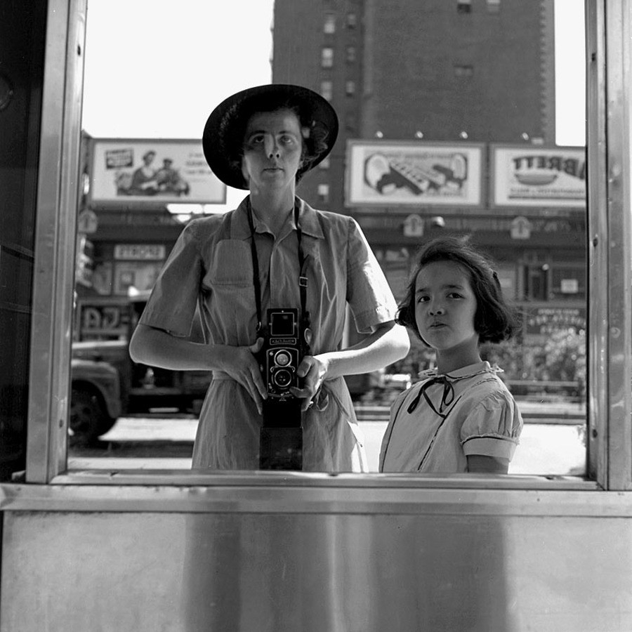 vivian-maier-everythingwithatwist-05
