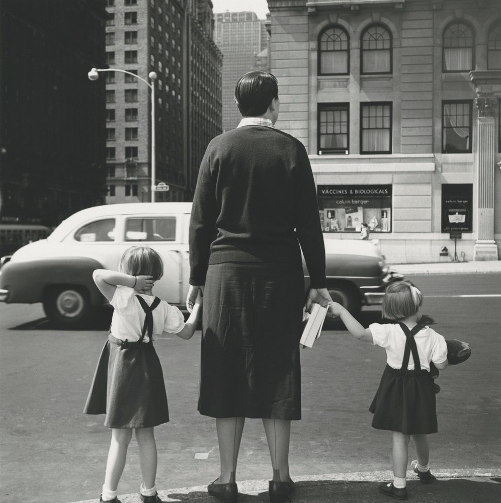 vivian-maier-everythingwithatwist-11