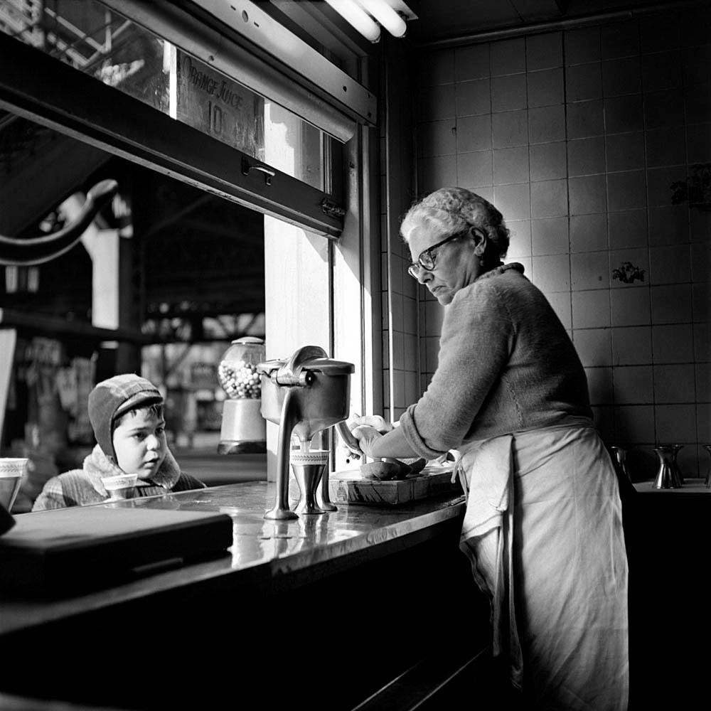 vivian-maier-everythingwithatwist-14