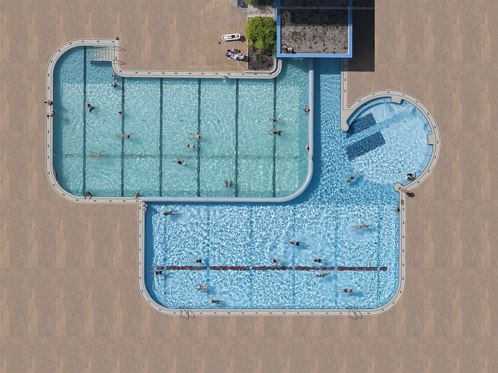 stephan-zirwes-swimming-pool-everythingwithatwist-06