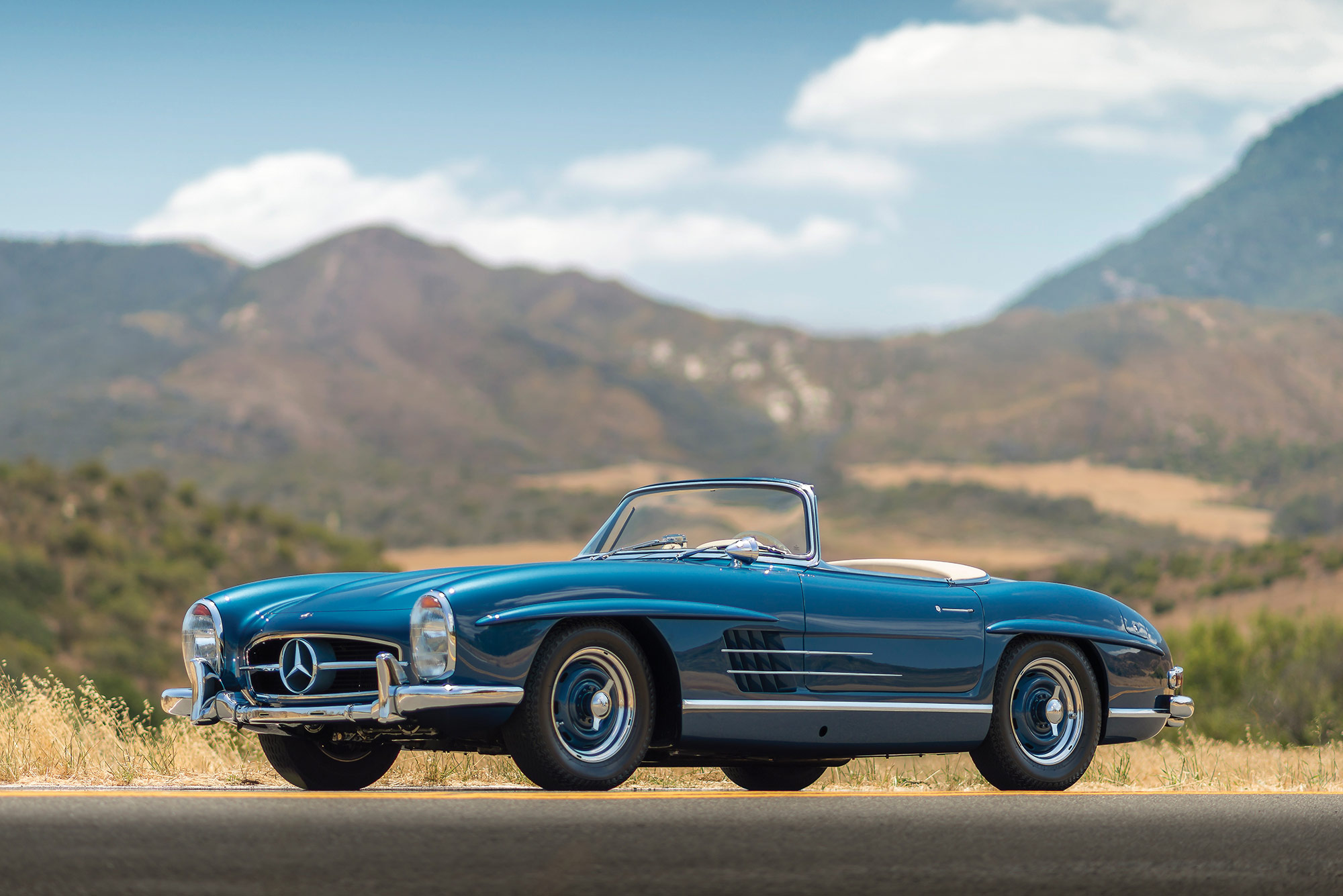 1957 mercedes benz 300 sl roadster everythingwithatwist for Mercedes benz 300