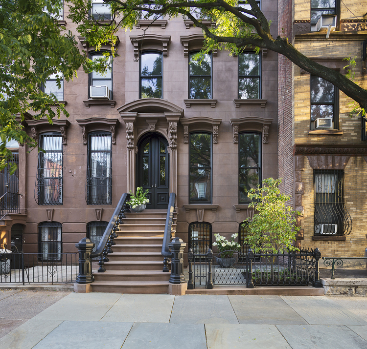 19th century brownstone house in brooklyn new york for Modern houses in new york