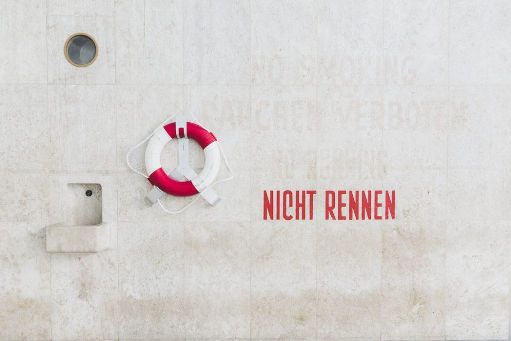 schwimmhalle-finckensteinallee-berlin-everythingwithatwist-05