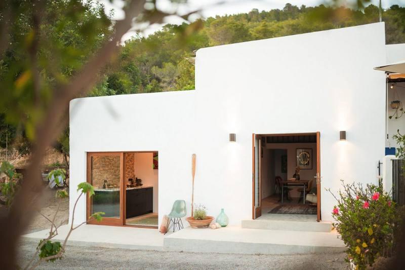 stables-refurbished-ibiza-everythingwithatwist-01