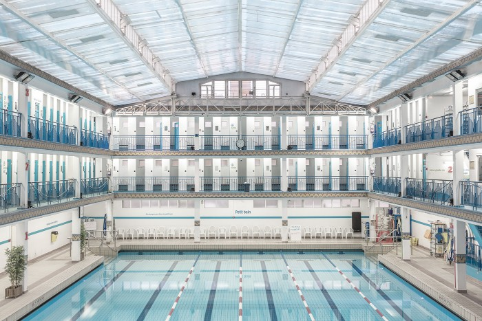 La piscine paris swimming pools by ludwig favre for Where to swim in paris