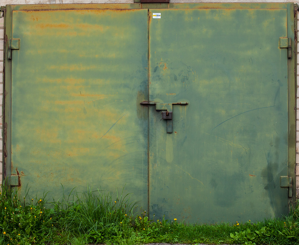 beauty-remains-garage-doors-agne-gintalaite-everythingwithatwist-01