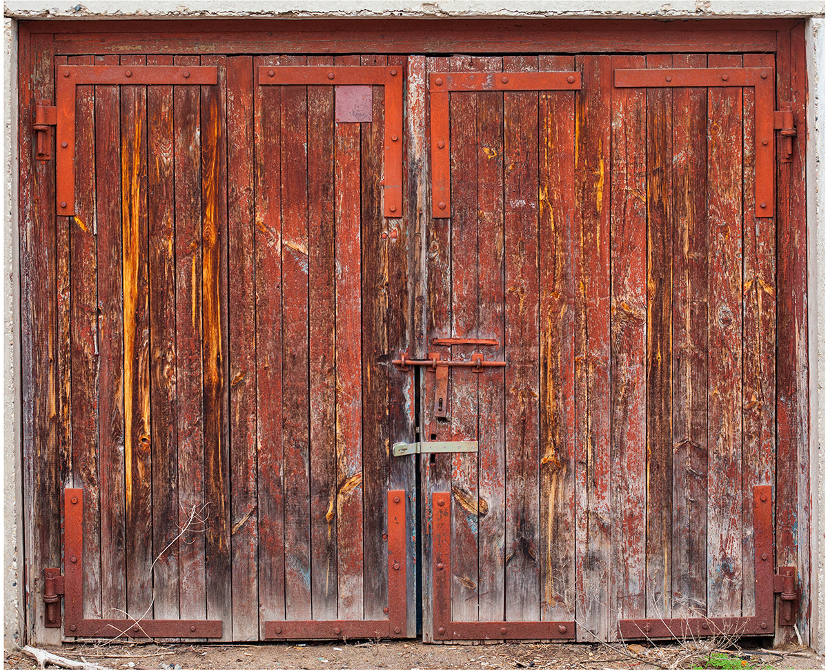beauty-remains-garage-doors-agne-gintalaite-everythingwithatwist-02