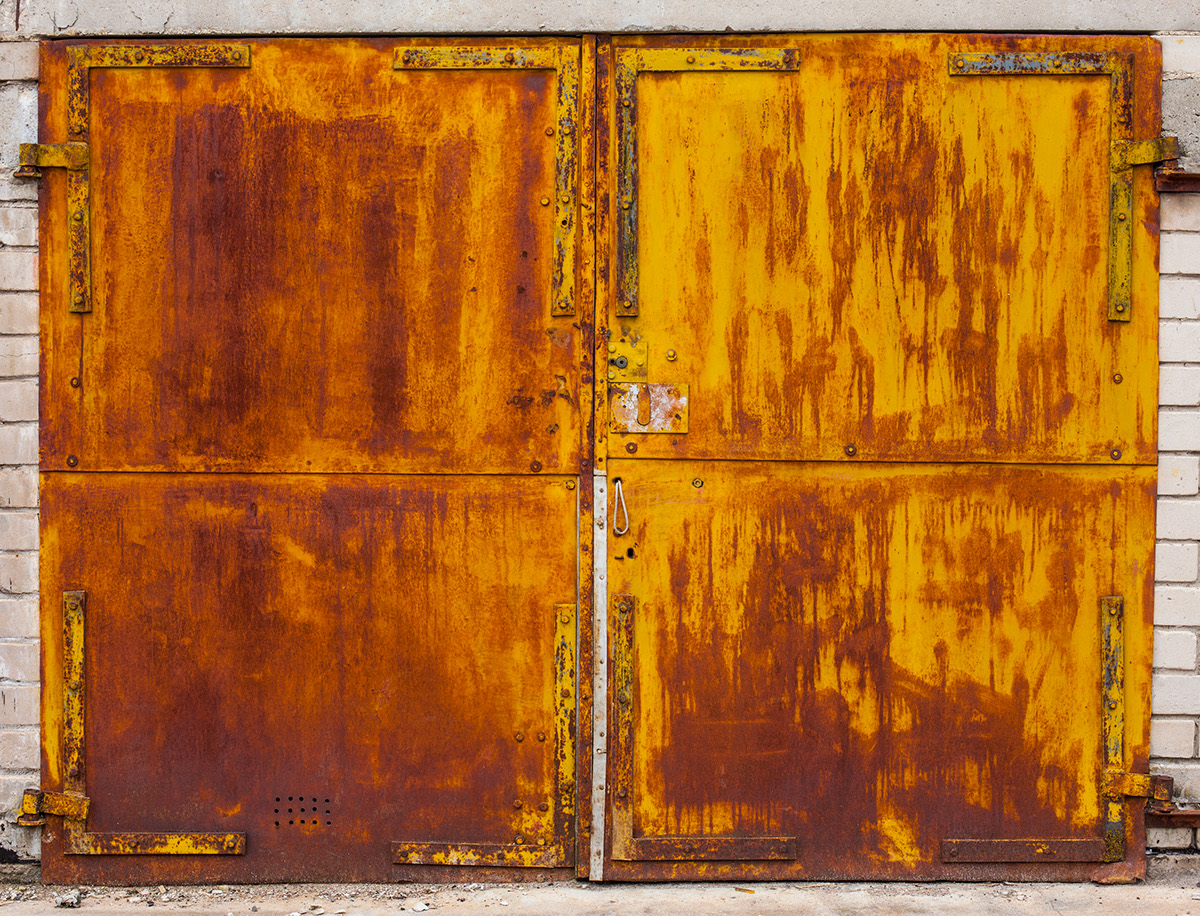 beauty-remains-garage-doors-agne-gintalaite-everythingwithatwist-05