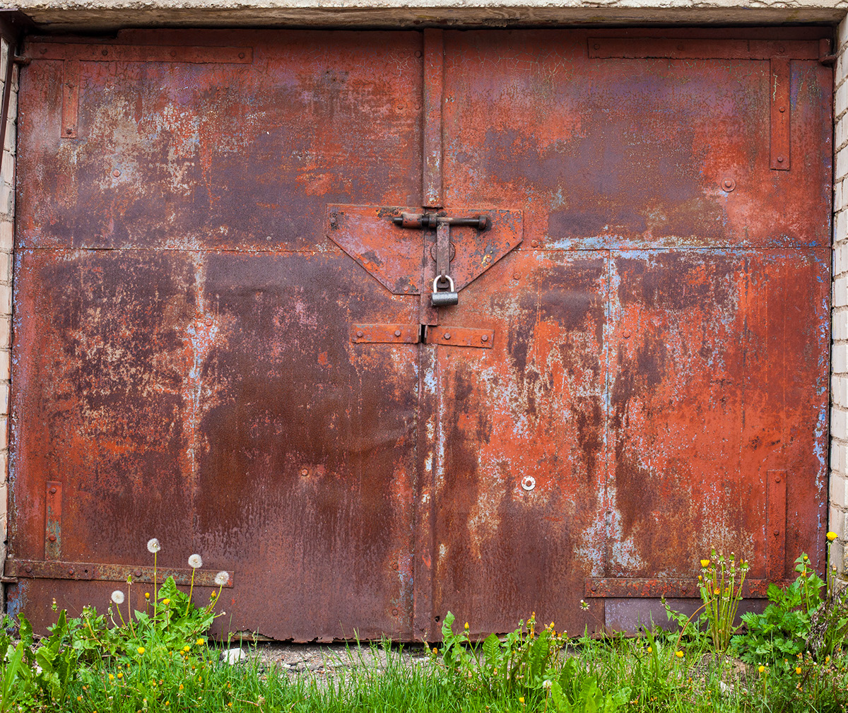 beauty-remains-garage-doors-agne-gintalaite-everythingwithatwist-07