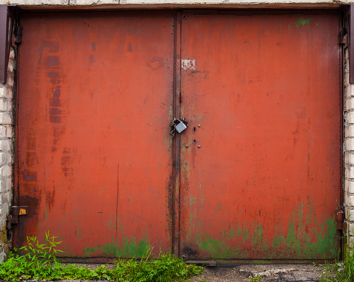 beauty-remains-garage-doors-agne-gintalaite-everythingwithatwist-10