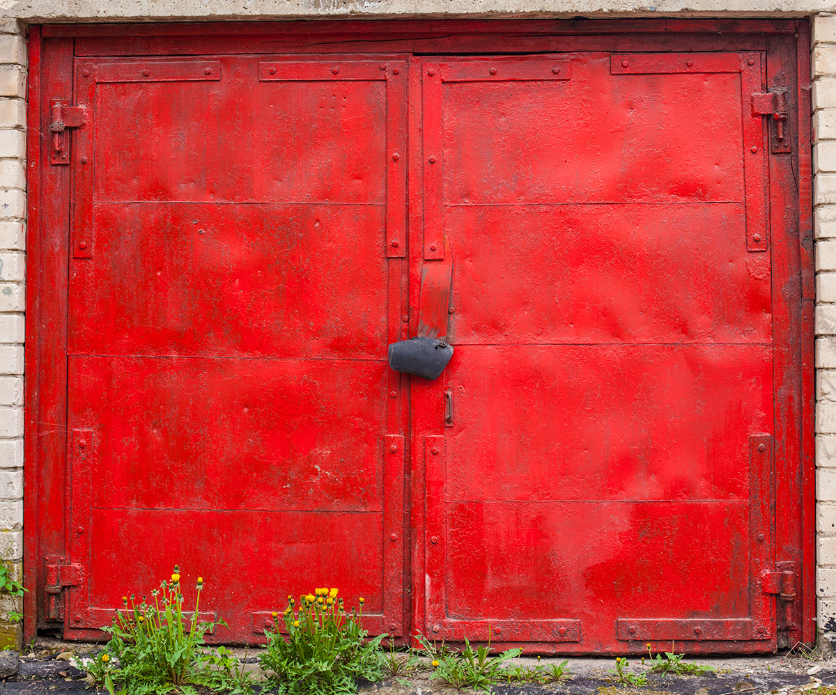 beauty-remains-garage-doors-agne-gintalaite-everythingwithatwist-12