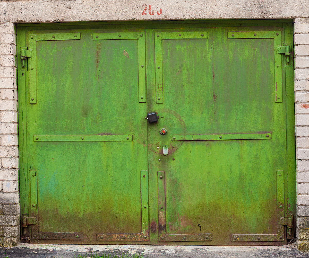 beauty-remains-garage-doors-agne-gintalaite-everythingwithatwist-14